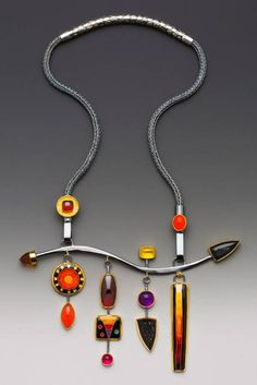 Necklace by Lisa Hawthorne, 2010 Niche Award Winner - Photo by George Post http://www.lisahawthorne.com/