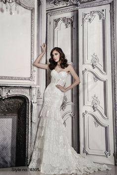 Bridal Gowns: Pnina Tornai A-Line Wedding Dress with Sweetheart Neckline and Natural Waist Waistline