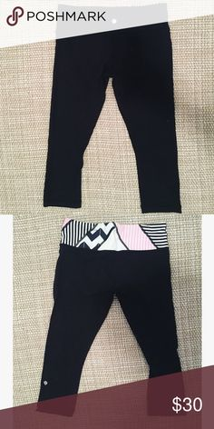 Lululemon athletica Reversible Crop Some pilling and wear, but overall good condition. Reversible! lululemon athletica Pants Leggings