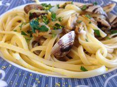 Pasta con vongole e bottarga (ricetta primo piatto)