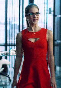 Felicity Smoak Dress Felicity + her red cut-out