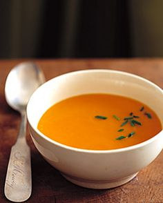This creamy soup is made with beta-carotene-packed whole carrots and carrot juice. It is sweetened with honey and given zest with cumin. Creamy Soup Recipes, Healthy Soup Recipes, Cooking Recipes, Yummy Recipes, Healthy Food, Healthy Eating, Korma, Biryani, Creamy Cauliflower Soup