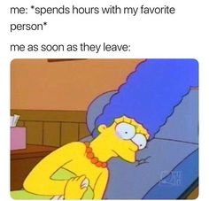 """65 Funny Dating Memes - """"Me: spends hours with my favorite person. Me as soon as they leave:"""" 65 Funny Dating Memes - """"Me: spends hours with my favorite person. Me as soon as they leave:"""" Funny Relatable Memes, Funny Jokes, Hilarious, Love Memes Funny, Relatable Posts, Funny Fails, Best Memes, Dankest Memes, Hahaha Joker"""