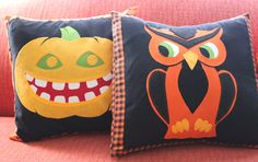Halloween pillows~too cute!  Could rug hook these designs too.