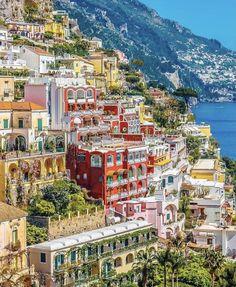 Positano vibes today ... Summer is almost here Yay! ...by @ournextflight #travelstitaly #Positano #photography #design #artsy #romantic #decor #hotel #hotellife #hoteldesign #hotels #hotelstyle #architecture #view #travelblogger #travels #travelguide #hotelinterior #traveler #traveling #traveltheworld #travelholic #traveleurope #wanderlust #travel #bucketlist #architecturelovers #europe #wanderlust #traveladdict #hoteldesign #inspiration #inspo #travelblog #destinationwedding #travelgram #dyi