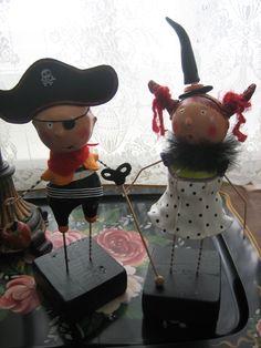 halloween figurines pirate et gentille sorcière