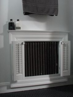 Frame radiator like fire place Best Radiators, Home Radiators, Bathroom Radiators, Radiator Screen, Radiator Heater, Radiator Cover, Decorative Radiators, Fireplace Cover, Fireplace Mantel