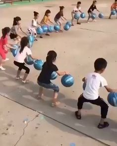 Physical Activities For Kids, Physical Education Games, Games For Teens, Indoor Activities For Kids, Kids Learning Activities, Toddler Activities, Youth Games, Pe Games, Funny Games
