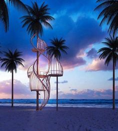 a treehouse for the beach - can already feel the cool evening breezes...
