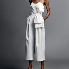 Affordable All-White Party Outfits Ideas - Party Fashion - Fashionable All White Party Outfits, Party Outfits For Women, White Costumes, Party Mode, Fashion Looks, Fashion Fashion, Fashion Jewelry, Fashion Design, Crop Top Outfits