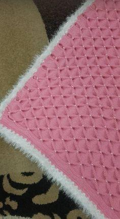 Bu modeli tarif edermisiniz Lace Knitting Stitches, Baby Knitting Patterns, Hand Knitting, Crochet Patterns, Knitted Afghans, Knitted Baby Blankets, Baby Pants Pattern, Crochet Baby Blanket Beginner, Knits