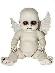 Halloween Wings, Fete Halloween, Halloween Doll, Halloween Crafts, Haunted Halloween, Halloween Ideas, Creepy Halloween Decorations, Halloween Displays, Spooky Decor