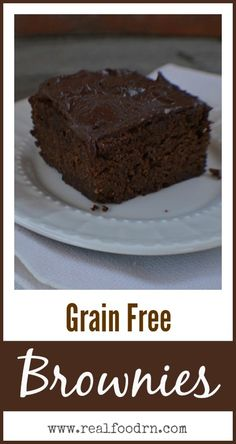 Grain Free Brownies. All the chocolatey goodness of brownies without gluten or grains. Definitely a new favorite recipe in our house! realfoodrn.com #grainfreebrownie #brownierecipe