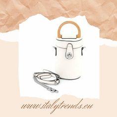 Zylinderförmige Crossbody Tasche in Kunstleder. Einfach der Hype für jede modebewusste Frau.  www.italytrends.eu Self, Fashion Styles, Top Hats, Artificial Leather, Simple, Bags
