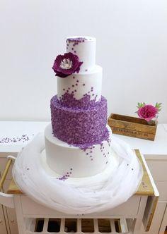 Wedding cake by SWEET architect Beautiful Wedding Cakes, Gorgeous Cakes, Pretty Cakes, Amazing Cakes, Wedding Cake Cookies, Themed Wedding Cakes, Sequin Cake, Fondant Cake Designs, Cake Design Inspiration