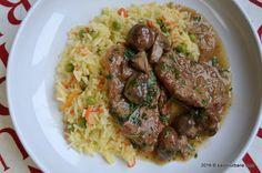 Pork and mushroom stew -Escalop de porc cu ciuperci Romanian Food, Romanian Recipes, Mushroom Stew, Carne, Delish, Grilling, Stuffed Mushrooms, Brunch, Sweet Home