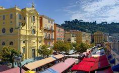 ニース 朝市が人気のサレヤ広場 ©ニース観光局