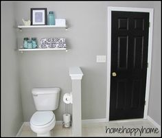 Badezimmer-Makeover - Lackfarbe Graceful Grey von Behr - Home: Living color 2019 Bathroom Paint Colors, Kitchen Paint Colors, Paint Colors For Home, Light Grey Paint Colors, Behr Gray Paint, Farmhouse Paint Colors, Favorite Paint Colors, Grey Walls, Bath Room