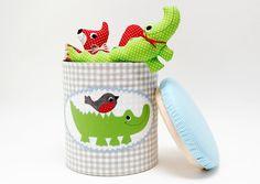 Hocker+und+XL-Spielzeugbox+von+Josefines+Kinder+auf+DaWanda.com