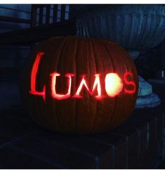 Find images and videos about harry potter, hogwarts and october on We Heart It - the app to get lost in what you love. Harry Potter Pumpkin Carving, Carving Designs, Holidays Halloween, Halloween Pumpkins, Hogwarts, Fall, Sculpture Projects, Autumn, Halloween Gourds