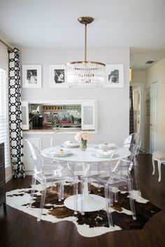 Chic, eclectic dining area #HomeDecor