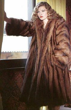 Vintage Fur, Mink Fur, Mantel, Faux Fur, Poses, Fur Coats, Womens Fashion, Furs, How To Wear