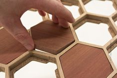 Wooden Table with Unique Surface of Honeycomb Pattern This unique coffee table designed by Sam Stringleman, based in the idea to make a table with support Unique Coffee Table, Diy Coffee Table, Coffee Table Design, Wood Resin Table, Wooden Tables, Honeycomb Pattern, Hexagon Pattern, Coffee Table Inspiration, Make A Table