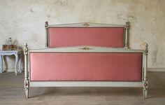 I love the vintage pink color