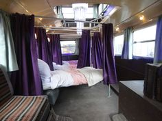 Vamos dar uma voltinha de Nôitibus Andante? Só não vale dormir e perder toda a animação que é viajar nesse meio de transporte fantástico! (Harry Potter Studio Tour) - Knight Bus