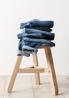 Style File: Denim Essentials - Live With Us - Country Road Clothing Photography, Still Life Photography, Fashion Photography, Design Set, Web Design, Foto Still, Denim Flats, Denim Purse, Fashion Still Life