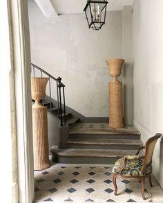 "Atelier Vime | Rattan ""Medici"" pedestal and vase"