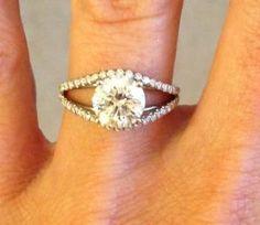 Stunning Split Shank Diamond Engagement Ring