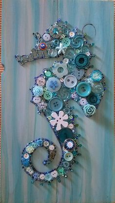 Paper Crafts Gifts Ideas - Arts And Crafts For Kids Toddlers Free Printable - Crafts Ideas Videos Flowers - Sea Animal Crafts For Toddlers - Cheap Crafts For Elderly Seashell Art, Seashell Crafts, Beach Crafts, Crafts To Do, Arts And Crafts, Paper Crafts, Button Crafts For Kids, Seahorse Crafts, Seahorse Art
