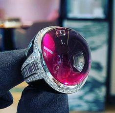 Amazing rubellite cabochon ring, 64 carats #Boucheron #highjewelry #cabochon #ring #rubilite