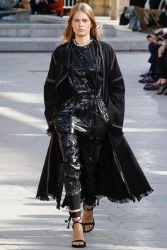 Isabel Marant Spring 2016 Ready-to-Wear Fashion Show - Zuzu Tadeushuk