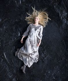 Stardust- a great fantasy film starring Claire Danes, Michelle Pfeiffer & Robert De Niro.