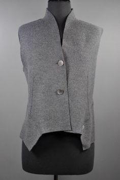 Oska Grey Angel Vest: Looks like Marcy Tilton's vest/jacket pattern