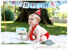 first birthday photo shoot idea, just let the kid go nuts with the cake!