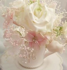 roses and baby breath shabby chic wedding centerpiece