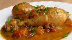 Pollo a la cerveza guisado. Como el clásico pollo guisado pero, con cerveza como ingrediente principal de la salsa, en lugar del agua o caldo de pollo.
