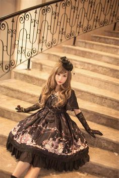 Gothic Lolita Fashion / Cute Dress / Headband / Kawaii Japanese Fashion Photography / Harajuku / Kiyohari / Cosplay  // ♥ More at: https://www.pinterest.com/lDarkWonderland/