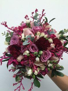 Resultado de imagem para foto buque noiva silvestre flor vinho