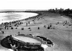 Playa Pocitos.- Vista desde el Hotel de los Pocitos, abajo a la izquierda el Pabellón de música y baños públicos 1917. (Montevideo - Uruguay)