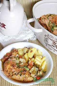 saramura de pui Romanian Food, Anorexia, Ratatouille, Potato Salad, Recipies, Lunch, Meat, Chicken, Ethnic Recipes