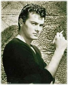 TONY CURTIS second generation Hungarian. Parents born in Mátészalka.Talented actor, painter. Five wives, Janet Leigh the first,father to Jamie Lee Curtis. In his later years, he became a culural ambassador for Hungary.