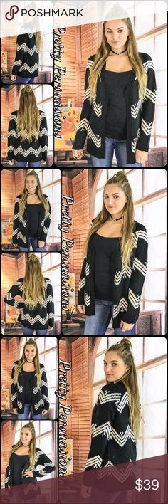 """NWT Slouchy Black & White Chevron Knit Cardigan NWT Slouchy Black & White Chevron Knit Cardigan Sweater  Available in S, M, L Measurements taken from a small  Length: 32"""" Bust: 40"""" Waist: 40""""  100% Acrylic   Features  • chevron striped pattern  • soft, cozy warm material  • relaxed, slouchy, easy fit  • open front • long sleeves  Bundle discounts available  No pp or trades   Item # 1/101180390CSC black white striped chevron slouchy oversized long cardigan sweater Pretty Persuasions Sweaters…"""