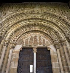 Monasterio de San Salvador de Leyre. Siglo IX, España- nordeste de la Comunidad Foral de Navarra, cerca del límite con Aragón.