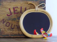 Miroir en Rotin Pomme Vintage - Miroir Rétro en Rotin - Petit Miroir en Rotin Décoratif - 1970 - Classique Déco Années 70 de Chambre Enfant