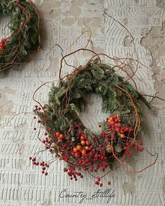 Terrific Photographs Christmas wreaths natural Popular Do you realize a person could make your very own Holiday wreath? Christmas wreaths bring much pleasu Natural Christmas, Rustic Christmas, Handmade Christmas, Christmas Time, Christmas Crafts, Christmas Decorations, Holiday Decor, Xmas, Autumn Wreaths