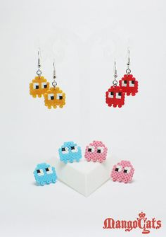 One pair of Pacman Ghosts earrings made with mini hama beads. Inky - Blinky - Pinky - Clyde on Etsy Mini Hama Beads, Diy Perler Beads, Perler Bead Art, Hama Mini, Hama Beads Jewelry, Fuse Beads, Pearler Bead Patterns, Perler Patterns, Perler Earrings